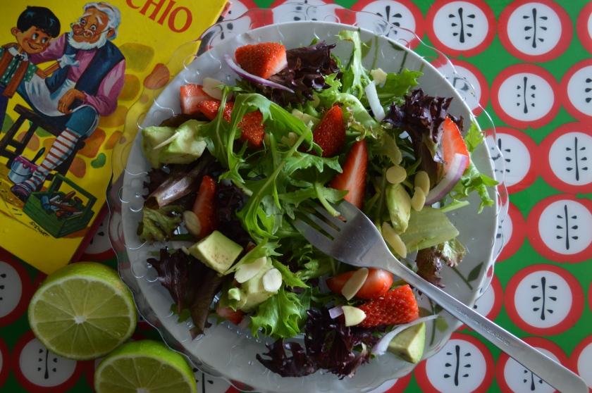 Strawberry and avo salad